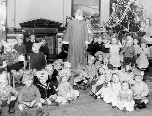 The surprised look on the childrens faces when Father Christmas tells them he has fogotton the presents Credit: TheirHistory