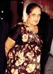 Sirimavo_Ratwatte_Dias_Bandaranayaka_(1916-2000)_(Hon.Sirimavo_Bandaranaike_with_Hon.Lalith_Athulathmudali_Crop)
